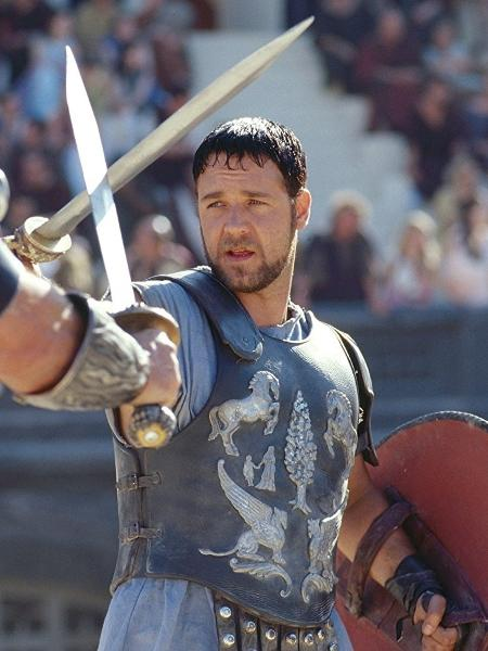 """Russell Crowe em cena de """"Gladiador"""" (2000) - Divulgação"""