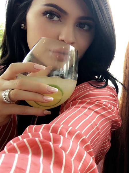 Kylie Jenner em sua festa de Páscoa - Reprodução/Snapchat