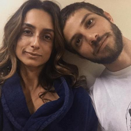 """Camila Lucciola e Chay Suede nos bastidores de """"Segundo Sol"""" - Reprodução/Instagram"""