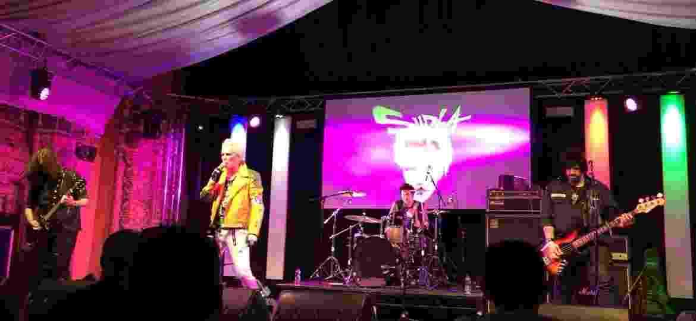 Supla no Rebellion Festivals em Blackpool, na Inglaterra, na última sexta (3) - Raquel Coutinho Geggus