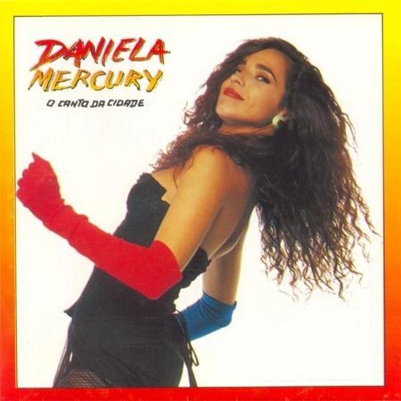 """Daniela Mercury na capa de """"O Canto da Cidade"""" - Reprodução"""