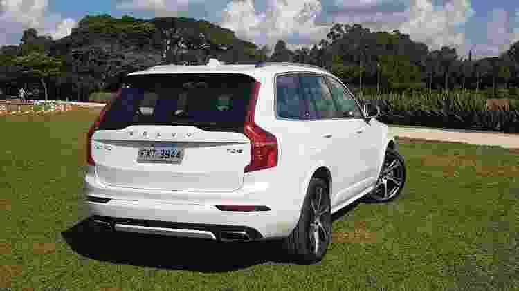 SUV híbrido tem muito espaço interno e comodidades como abertura elétrica da tampa do porta-malas - Fernando Miragaya/Especial para UOL Carros