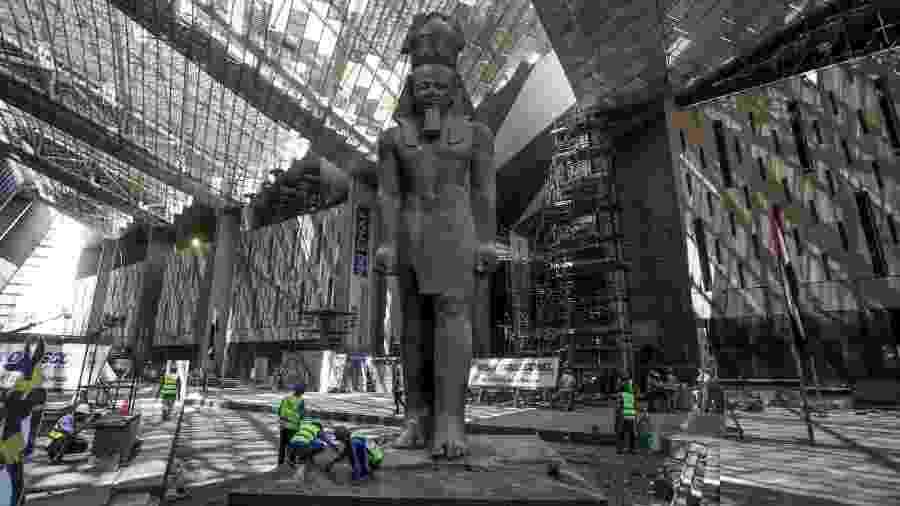 Estátua do faraó Ramsés II no Grand Egyptian Museum ainda em obras - Getty Images