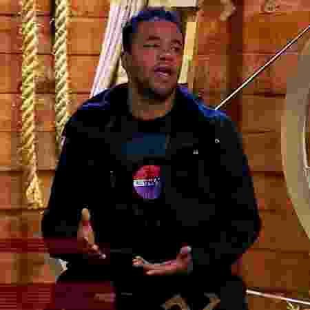 Phellipe Haagensen é informado sobre sua expulsão em A Fazenda 2019 - Reprodução/RecordTV