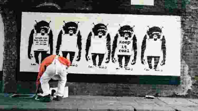 Laugh Now, Ape, que estampa paredes (e agora cartões comemorativos)  - STEVE LAZARIDES - STEVE LAZARIDES