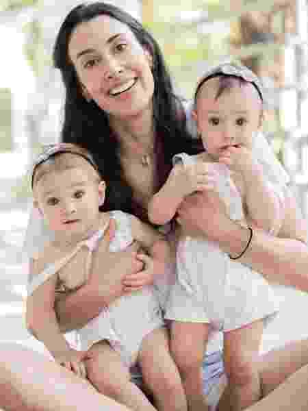 Sheilla Castro com as filhas Liz e Ninna - Reprodução/Instagram