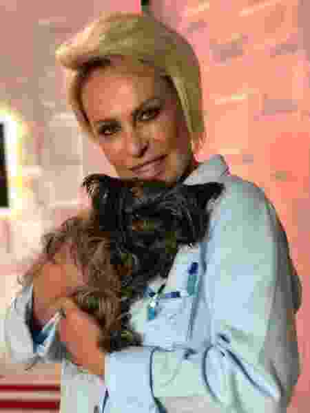 Ana Maria Braga e Sombrinha - Reprodução/Globo