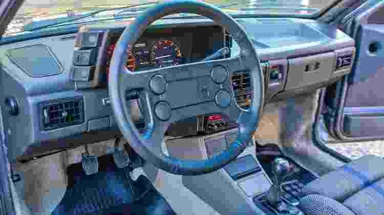 Volkswagen Gol GTI 1993 Cinza Spectrus leilão Joel Picelli R$ 118,5 mil interior - Divulgação/Picelli Leilões - Divulgação/Picelli Leilões