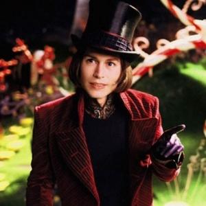 """Johnny Depp é Willy Wonka em """"A Fantástica Fábrica de Chocolate"""" (2005) - Divulgação"""