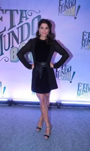 Priscila Fantin escolhe um vestido pretinho básico para a festa de lançamento de