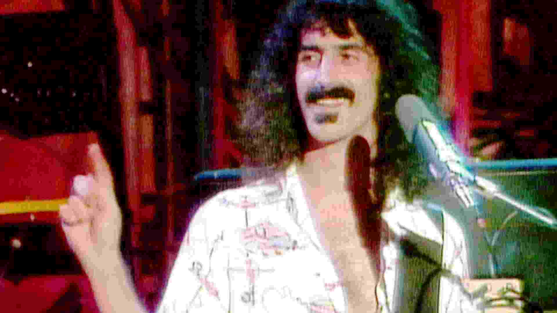 """Frank Zappa em """"Eat The Question"""" - Reprodução"""
