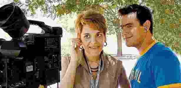 """16.dez.2004 - Leonor Correa dirige Thierry Figueira em gravação do programa """"Band Verão"""" - Divulgação/Band - Divulgação/Band"""
