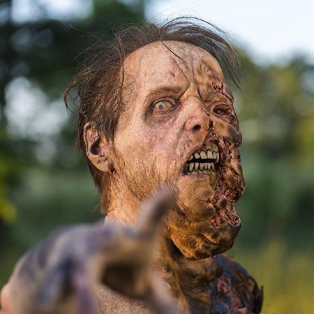 """Zumbi de """"The Walking Dead"""" na versão """"antiga"""". Agora, eles virão ainda mais decompostos - Reprodução"""