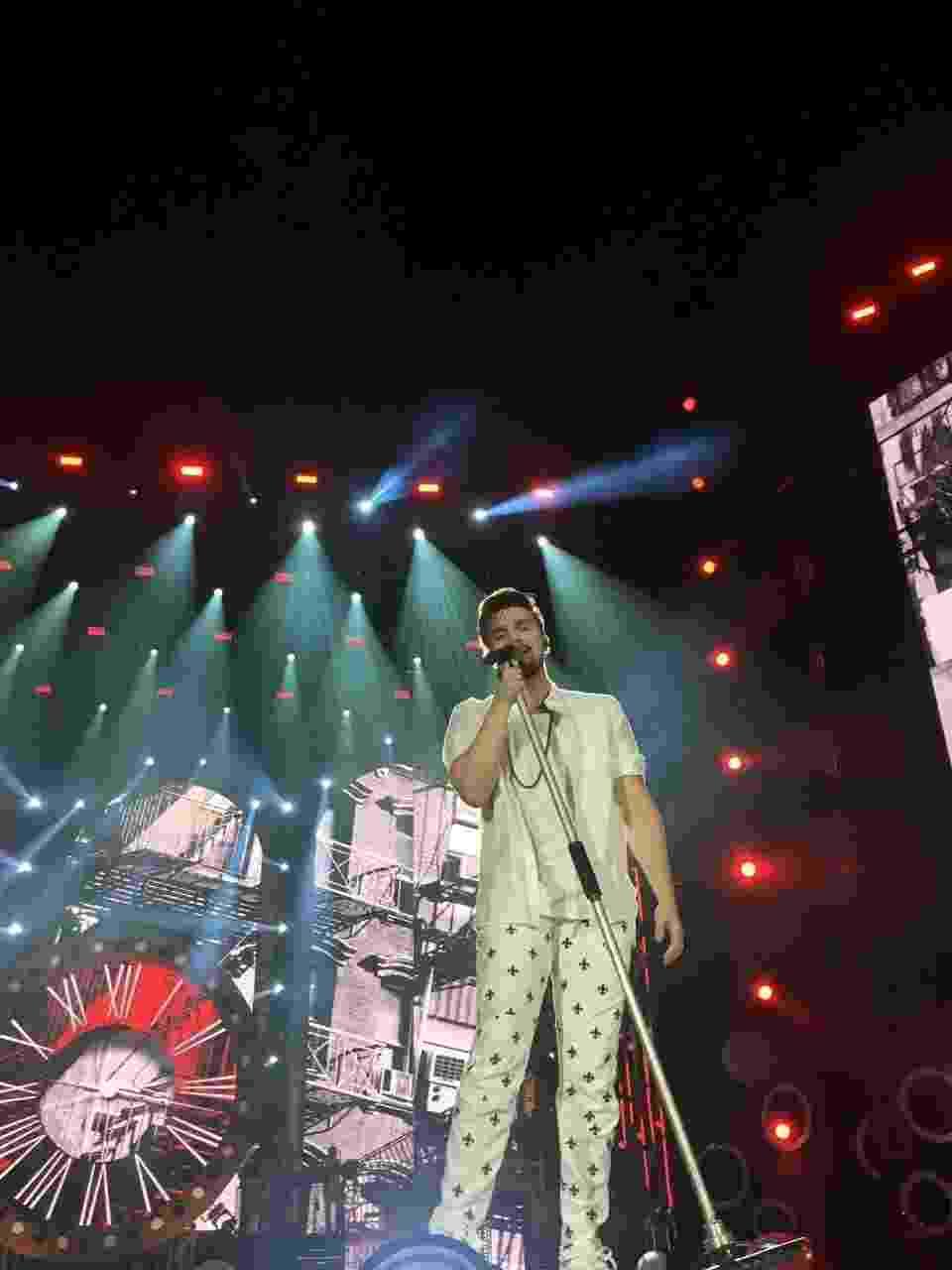 """Luan Santana canta em gravação do """"Show da Virada"""", programa de fim de ano da Globo, em Belo Horizonte - Rober Lelis/Divulgação"""