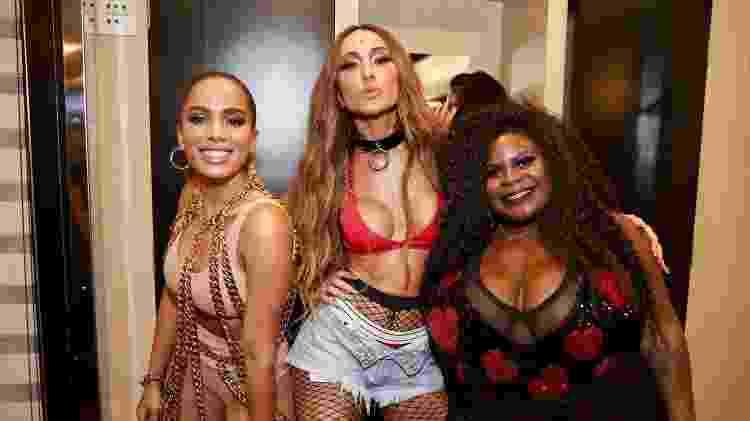 Anitta posa com Sabrina Satto e Jojo Toddynho em show no Camarote N1/CarnaUOL - Manuela Scarpa/Brazil News - Manuela Scarpa/Brazil News