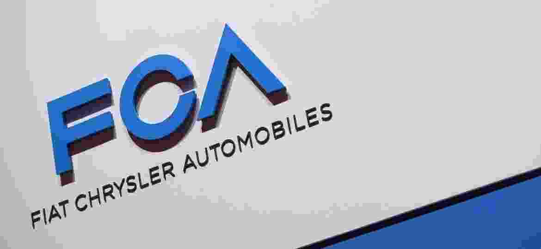 FCA (Fiat Chrysler Automobiles) logo durante o Salão de Genebra - Harold CUNNINGHAM/AFP