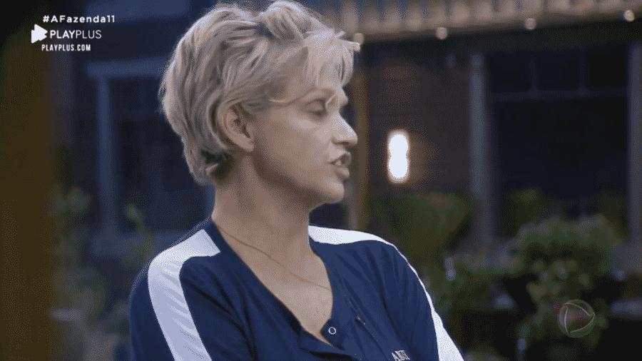 Andréa reclama de Lucas em conversa com Viny - Reprodução/PlayPlus