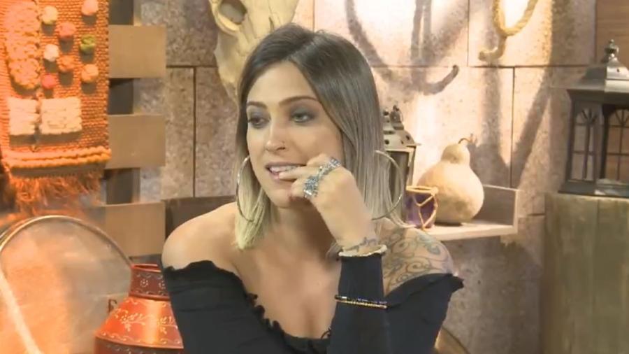 Tati Dias conversa sobre confinamento e peões - Reprodução/Playplus