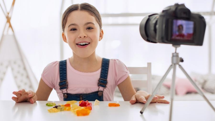 O que responder quando seu filho diz que quer ser youtuber? - iStock