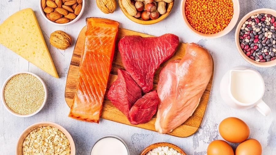 Alimentos ricos em proteínas costumam ser fontes de triptofano - iStock