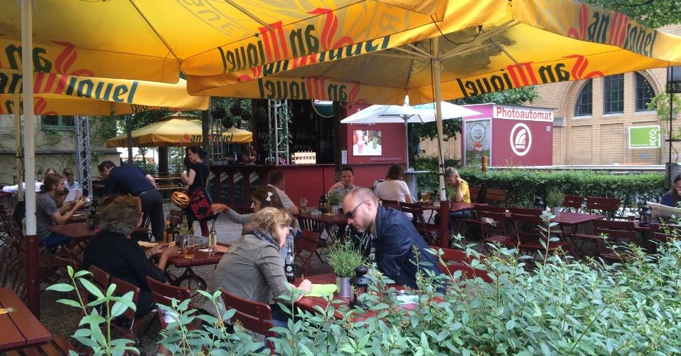 Saiba onde comer bem na cidade de berlim bol fotos bol for Bar food night neue heimat