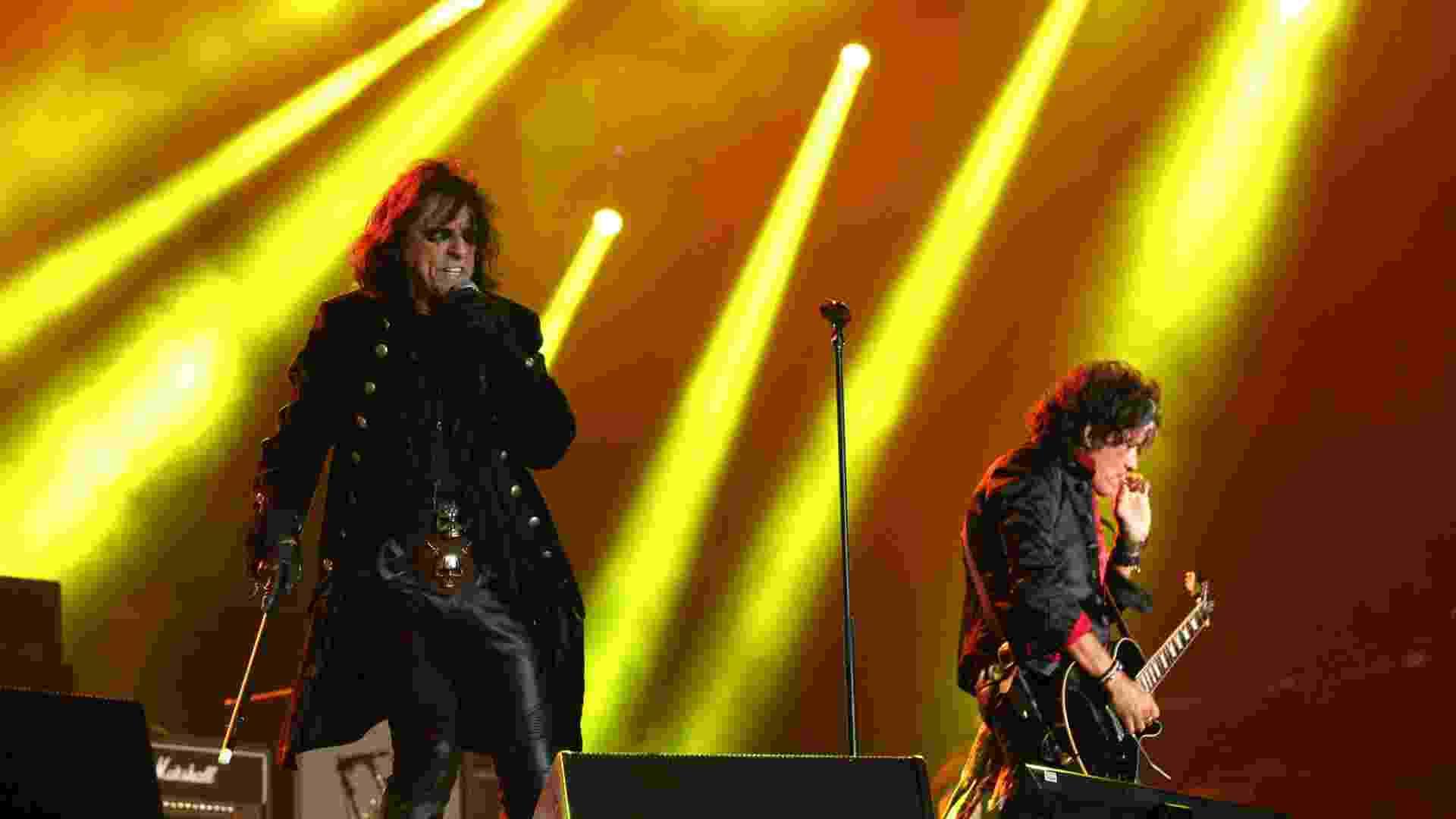 24.set.2015 - Johnny Depp, Alice Cooper e Joe Perry se apresentam no grupo Hollywood Vampire no palco Mundo no Rock in Rio 2015 - Marco Teixeira/UOL