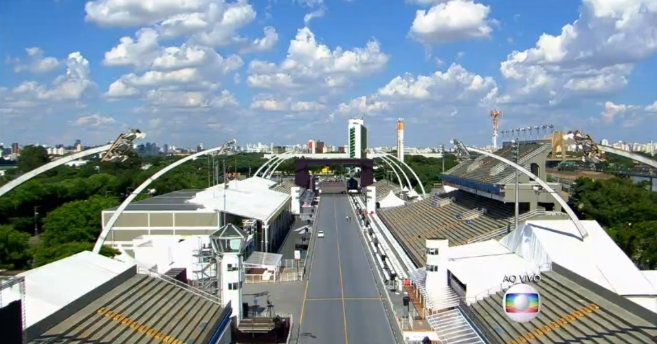 09.fev.2016 - O sambódromo paulistano, que fica ao lado do Palácio de Convenções do Anhembi, onde ocorre a apuração do desfile das escolas de samba do Grupo Especial de São Paulo