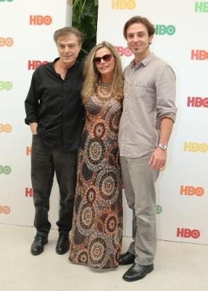 Carlos Alberto Riccelli, Bruna Lombardi e o filho do casal, Kim, anunciam parceria com a HBO para nova série do canal - Divulgação/HBO