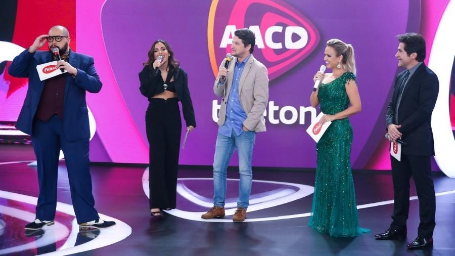 Tiago Abravanel, Anitta, Marcelo Serrado, Eliana e Daniel na última edição do Teleton - Manuela Scarpa /Brazil News