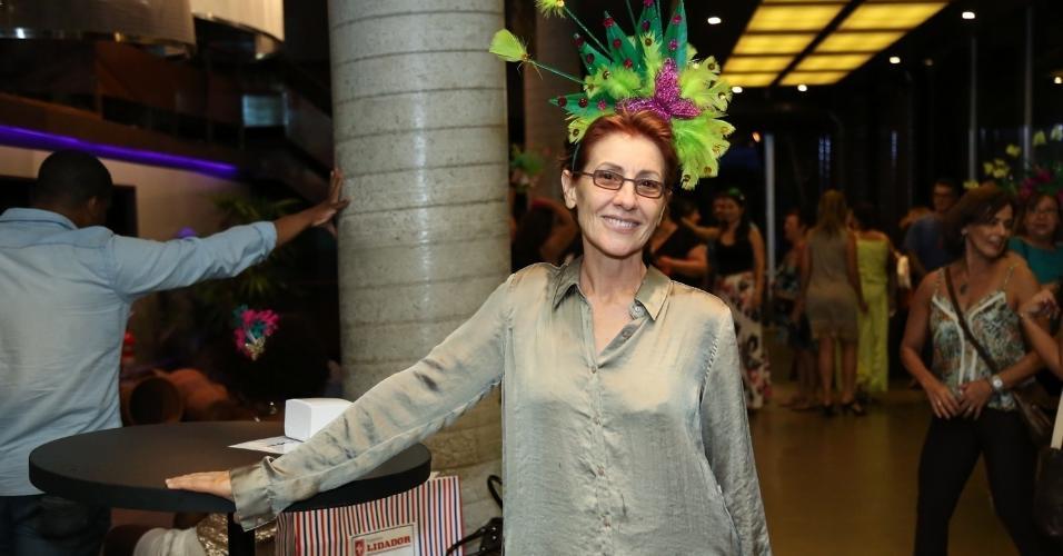 14.fev.2017 - A atriz Cassia Kiss chega para assistir ao Show de Verão da Mangueira, no Rio de Janeiro, no Vivo Rio