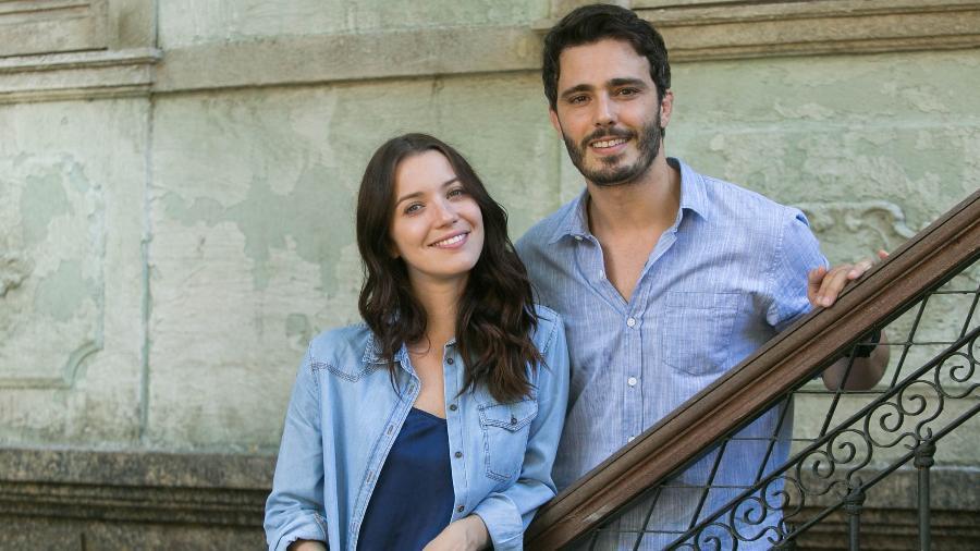"""Nathalia Dill (Júlia) e Thiago Rodrigues (Tiago) em """"Rock Story - Raquel Cunha/Divulgação/TV Globo"""
