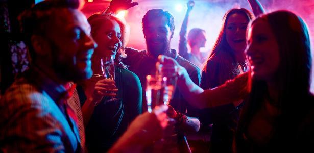 Foram entrevistados 2.422 jovens, com idades entre 21 e 25 anos, frequentadores de baladas em São Paulo