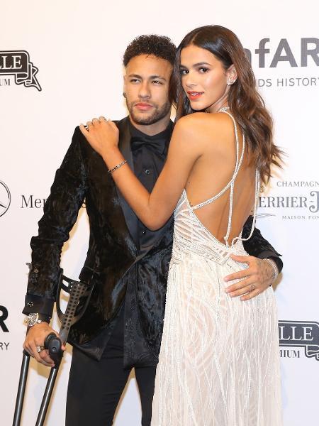Neymar e Bruna Marquezine no Baile da amfAR, em São Paulo - Manuela Scarpa e Iwi Onodera/Brazil News