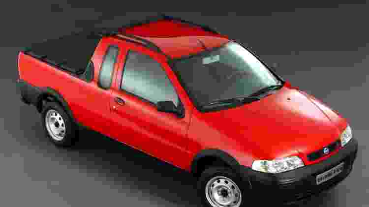 Fiat Strada CE - Divulgação - Divulgação