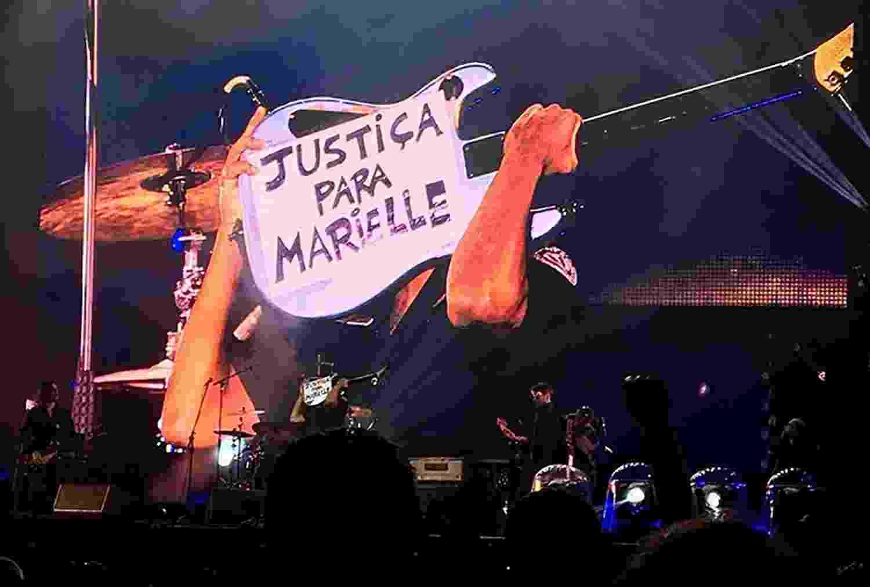 Tom Morello pede justiça para Marielle em show em Porto Alegre - Reprodução/Twitter/@carlitocorrea