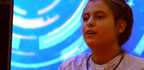 """""""Chora bastante sozinha, deve ter algum distúrbio"""", diz Hana sobre Rízia"""