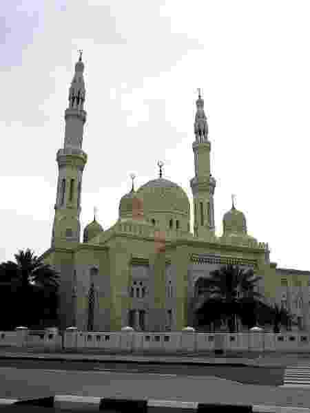 Um dos pontos mais interessantes é ouvir sobre as cinco orações diárias na Mesquita de Jumeirah - Divulgação/Turismo Dubai
