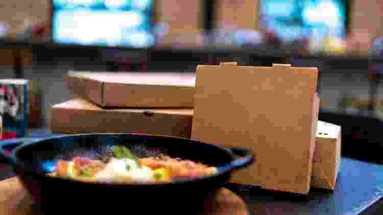 Embalagens de papelão trazem menor risco de contaminação do que as de plástico - Getty Images/iStockphoto