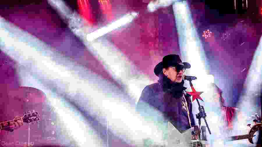 Oswaldo Vecchione durante show da Made in Brazil - Reprodução/Facebook