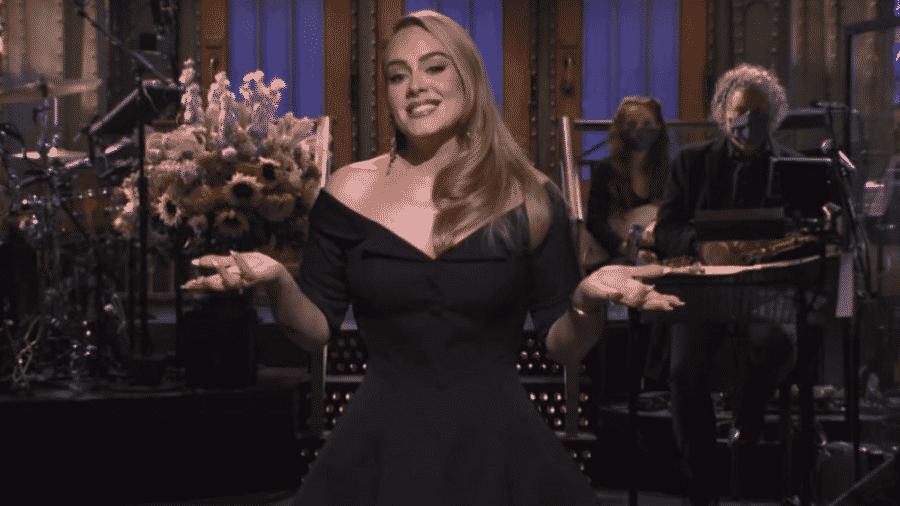"""Adele apresenta o """"Saturday Night Live"""" - Reprodução/Twitter"""