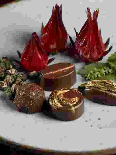 Bombons com flor de hibisco, shissô verde e jasmin - Divulgação Vivi Wakuda - Divulgação Vivi Wakuda