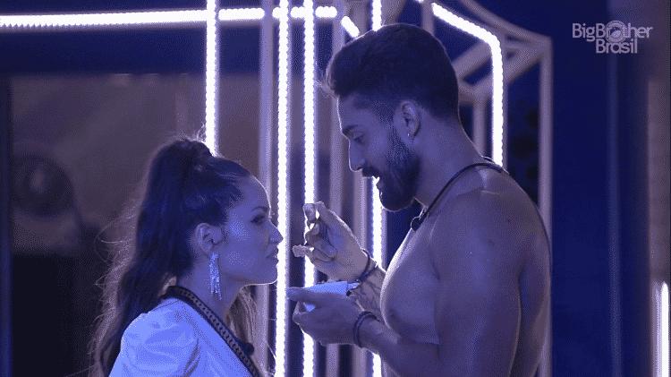 BBB 21: Juliette e Arcrebiano na primeira festa do reality - Reprodução/Globoplay - Reprodução/Globoplay