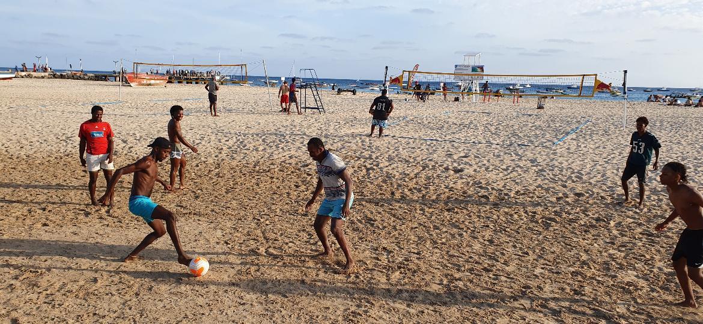 Apaixonados por futebol como os brasileiros, os cabo-verdianos têm até um Corinthians para chamar de seu - Marcel Vincenti/UOL