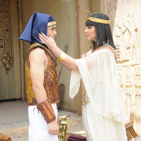 Camila Rodrigues como Nefertari  - Munir Chatack/TV Record