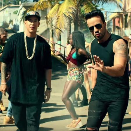 """Daddy Yankee e Luis-Fonsi no clipe original de """"Despacito"""" - Reprodução"""