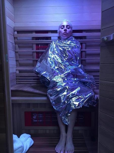 Lady Gaga compartilhou com seus seguidores uma foto na sauna infravermelha - Reprodução/Instagram