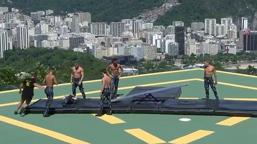 Artista do Cirque du Soleil sofre acidente em ensaio no Rio - Reprodução/TV Globo