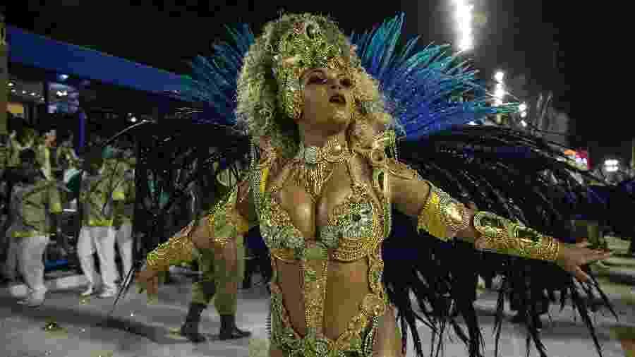 Desfile da Paraíso do Tuiuti na Sapucaí em 2018 - Júlio César Guimarães/UOL
