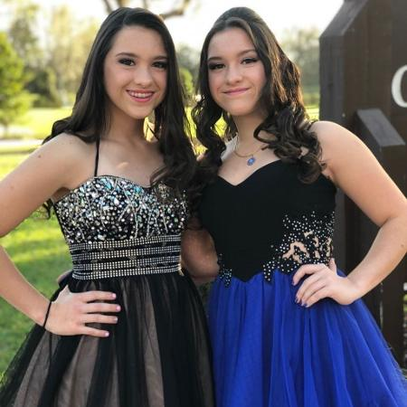 Gugu Liberato publica fotos das filhas gêmeas, Sofia e Marina, em festa de formatura - Reprodução/Instagram/guguliberato