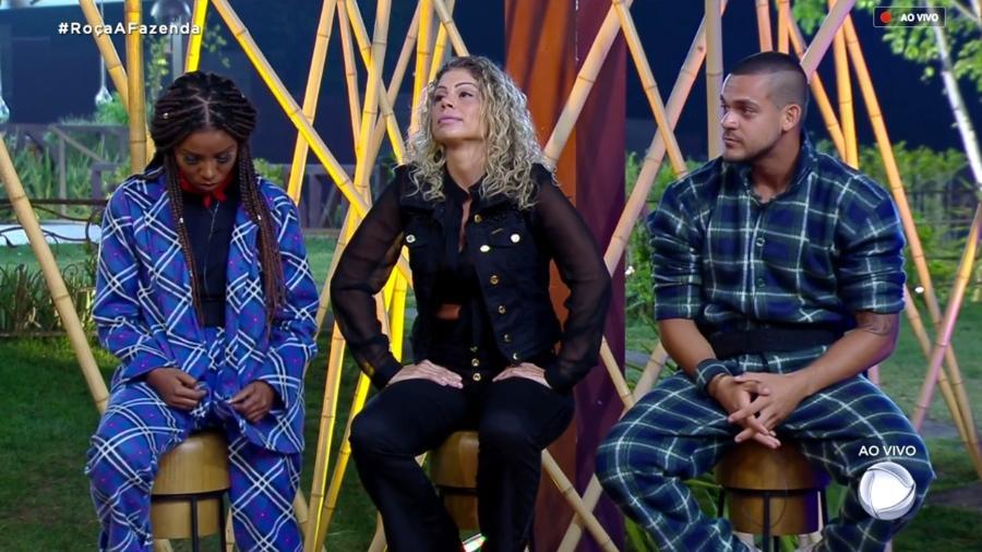 """Laune Dias, Catia Paganote e Caique Aguiar formam a oitava roça de """"A Fazenda 10"""" - Reprodução/RecordTV"""